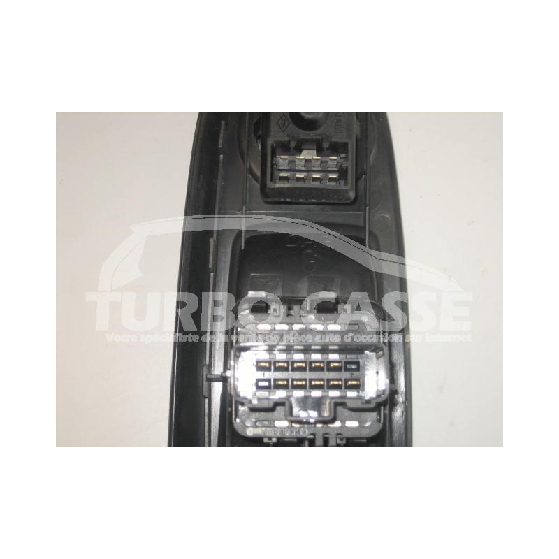 interrupteur l ve vitre et r troviseurs renault clio ii turbo casse. Black Bedroom Furniture Sets. Home Design Ideas